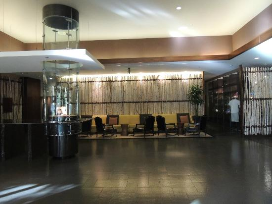 Viceroy Snowmass: lobby