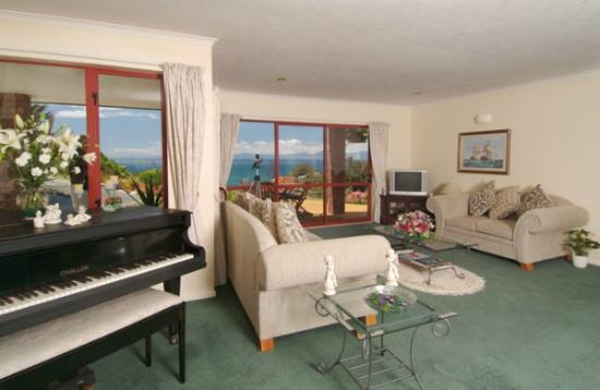 Bellbird Lodge: Guest Lounge