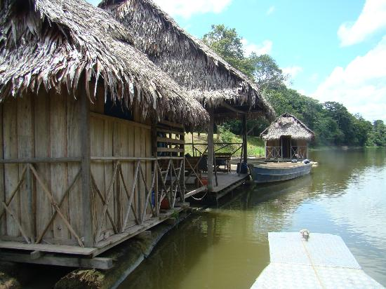 Muyuna Amazon Lodge: boat house