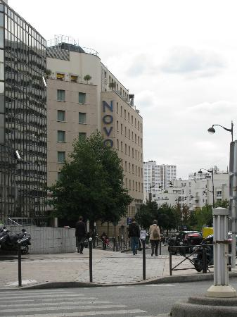 Novotel Paris Centre Gare Montparnasse: Front of the hotel