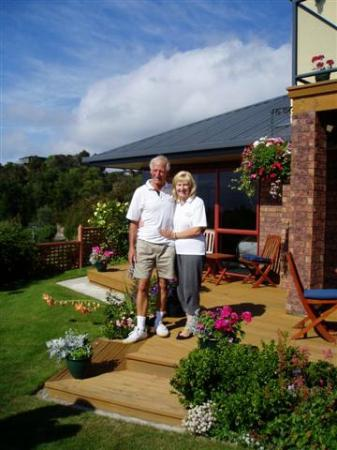 Bellbird Lodge: Your Hosts: Anthea and Brian