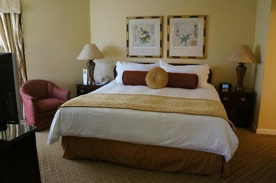 The Rittenhouse Hotel: Rittenhouse Suite - bed