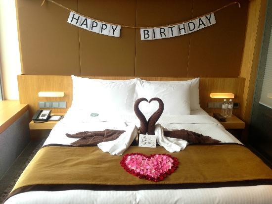 Decorations by oasia staffs picture of oasia hotel for Hotel room decor for birthday