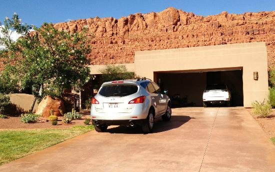 The Inn at Entrada: Kachina residence across from Inn - our hosts residence
