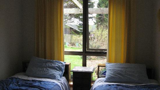 Blueberry B&B: 2 single beds in self contained apartment