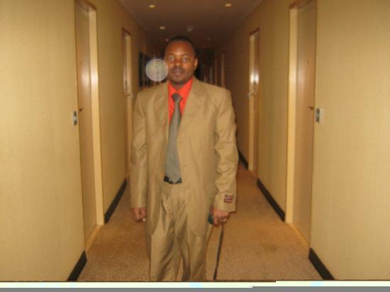 Southern Sun O.R Tambo International Hotel: Arriving outside the room.