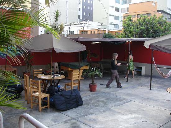 Hitchhikers Backpackers Lima Hostel: Terraza