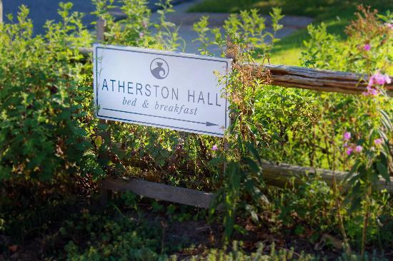 Atherston Hall Bed and Breakfast: Sign
