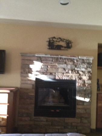 ذا ريدج تاهوي: Fireplace 