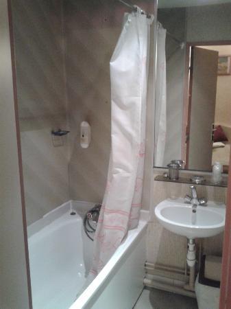 Hotel Parc Even : salle de bains