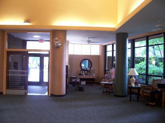 40 Berkeley: main lobby