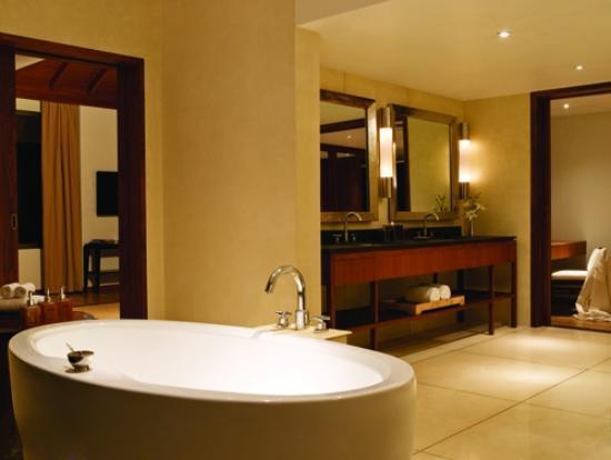 Alila Diwa Goa : Family Suite Bathroom