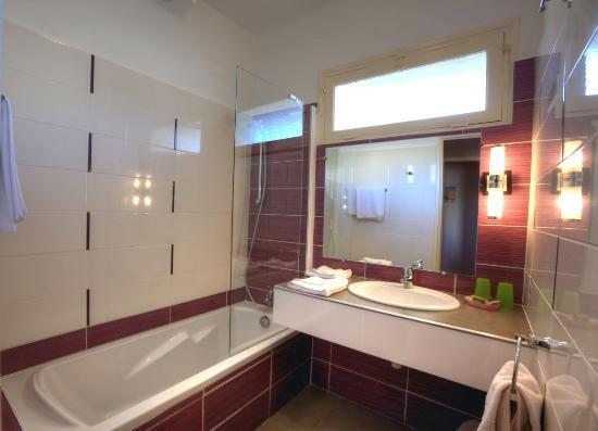 Hotel Lido Beach : Salle de bain N° 1