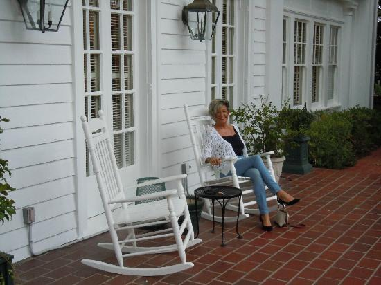 Fairview Inn: rocking on the porch