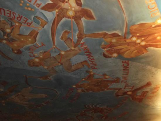 Planetarium Hamburg: Deckenbemalung 1