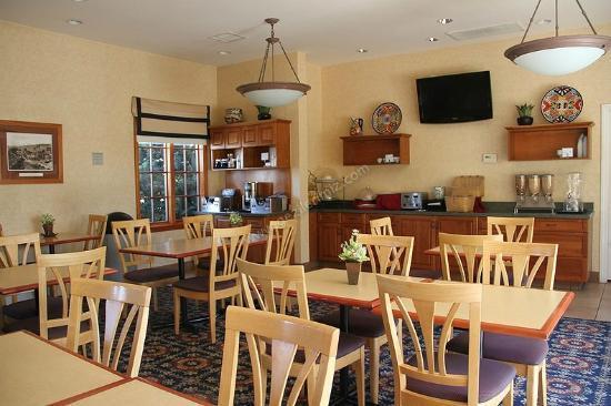 Old Town Inn: breakfast room