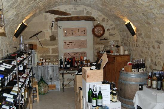 """Tout Simplement : Caveau """" vente de vins du Languedoc Roussillon au tarif des vignerons"""""""