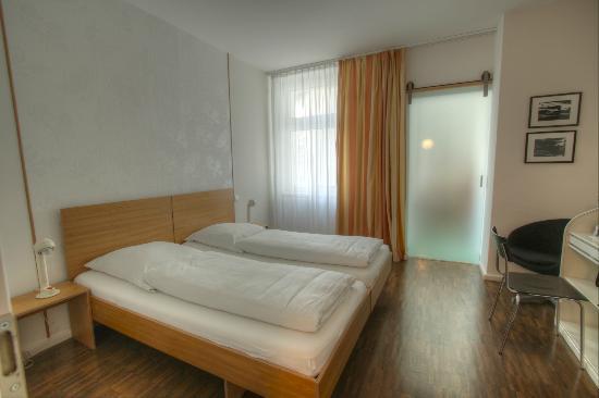 Hotel Johann: kleines Doppelzimmer / small double room