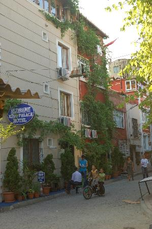 Villa Hagia Sophia: neighbourhood