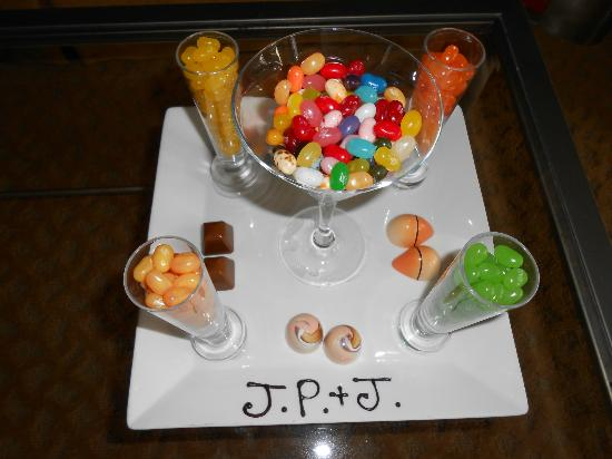 Turnberry Isle Miami, Autograph Collection: Presentation of Jelly Beans...perfect!