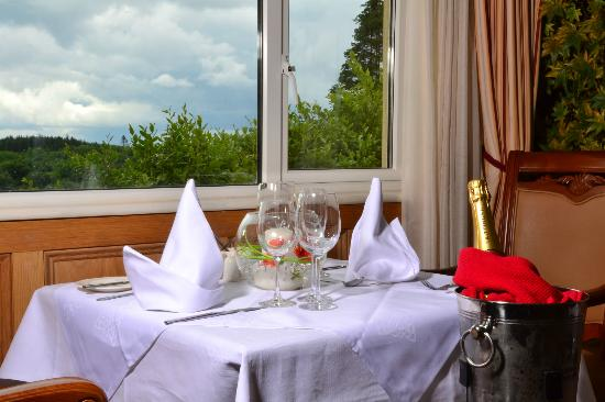 Fairhill House Hotel: Table for 2 in the Corrib Suite