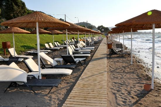 Sheraton Rhodes Resort : Private Beach
