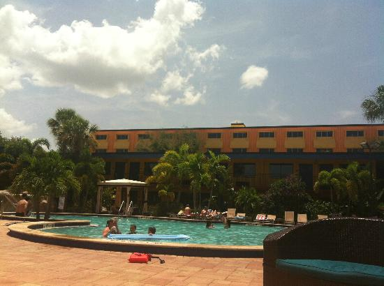 Coco Key Hotel and Water Park Resort: Pool area