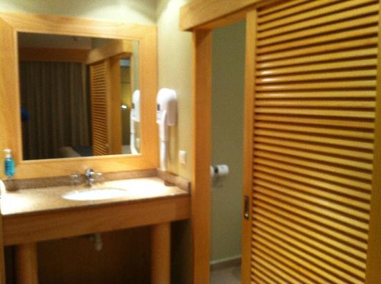هوتل لو لاجون: Salle de bains 