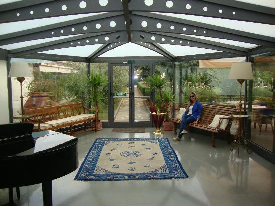 Villa Olmi Firenze: In a room facing the garden