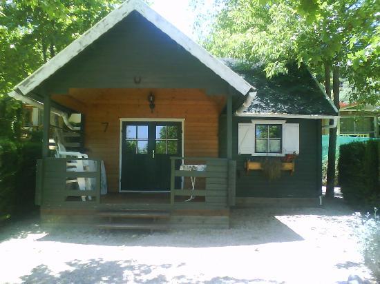 Camping & Bungalows Vall de Laguar: cabañas del camping
