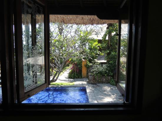 Hotel Tugu Bali: view from one of the dining alcoves