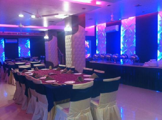 Hotel Yug Villa: Restaurant