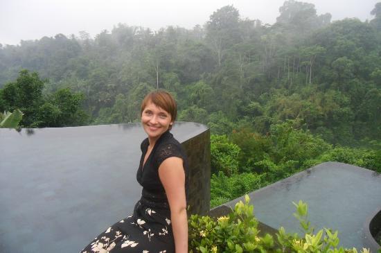 Hanging Gardens of Bali: Main pool