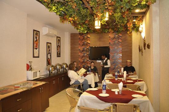هوتل ياج فيلا: coffee shop