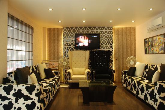 Hotel Yug Villa: Lobby