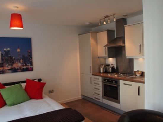 Cotels - The Hub: Studio Apartment