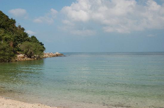 Salad Beach: clear waters