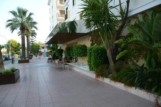 IBEROSTAR Alcudia Park: У центрального входа