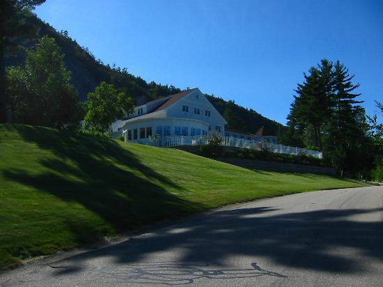 White Mountain Hotel and Resort: Das Hotel