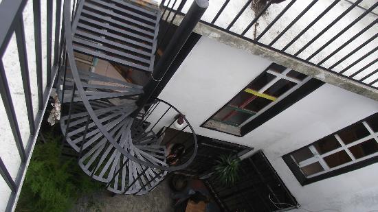 Hostal Tata Inti: acceso a terraza
