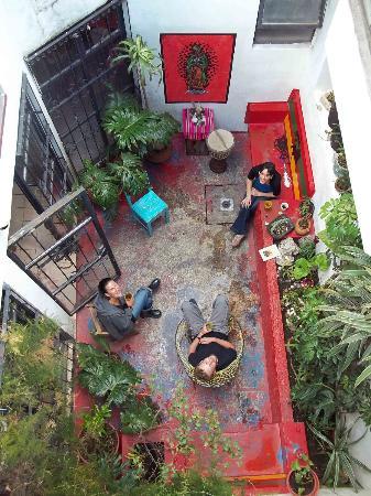 Hostal Tata Inti: Patio. vista desde terraza
