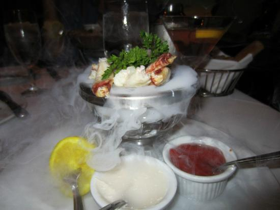 Mastro's Steakhouse: Dungeness Crab on Ice