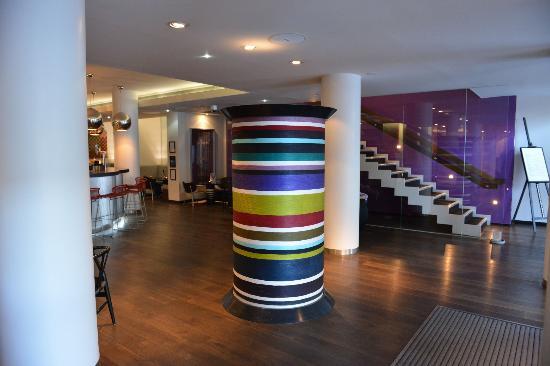 G&V Royal Mile Hotel Edinburgh: Lobby