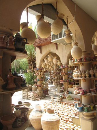 Beautiful Nizwa Pottery