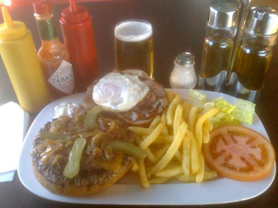Barba-Rossa Beach Bar: LOS MEJORES BURGERS