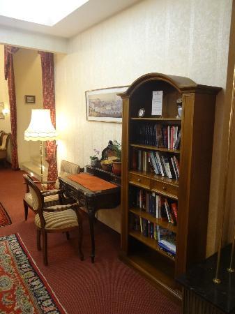 Hotel Austria : In the lobby