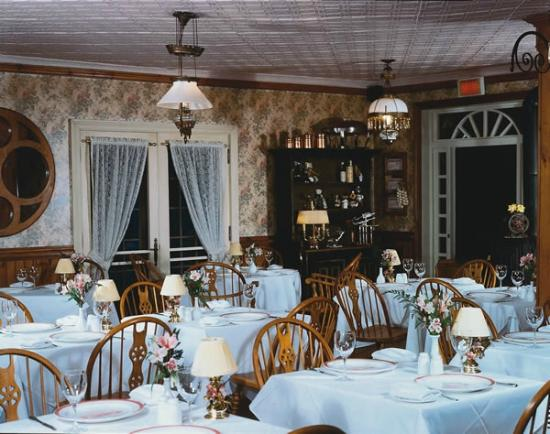 Auberge Lakeview: Dinning Room