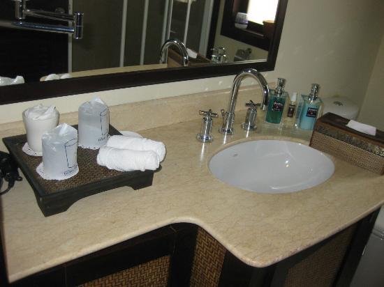 Ansara Hotel: Bathroom
