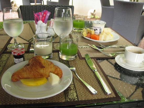 Ansara Hotel: Complimentary breakfast