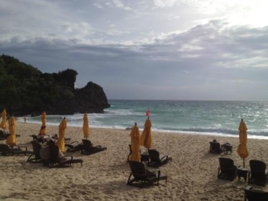 Shangri-La's Boracay Resort & Spa: Private beach A